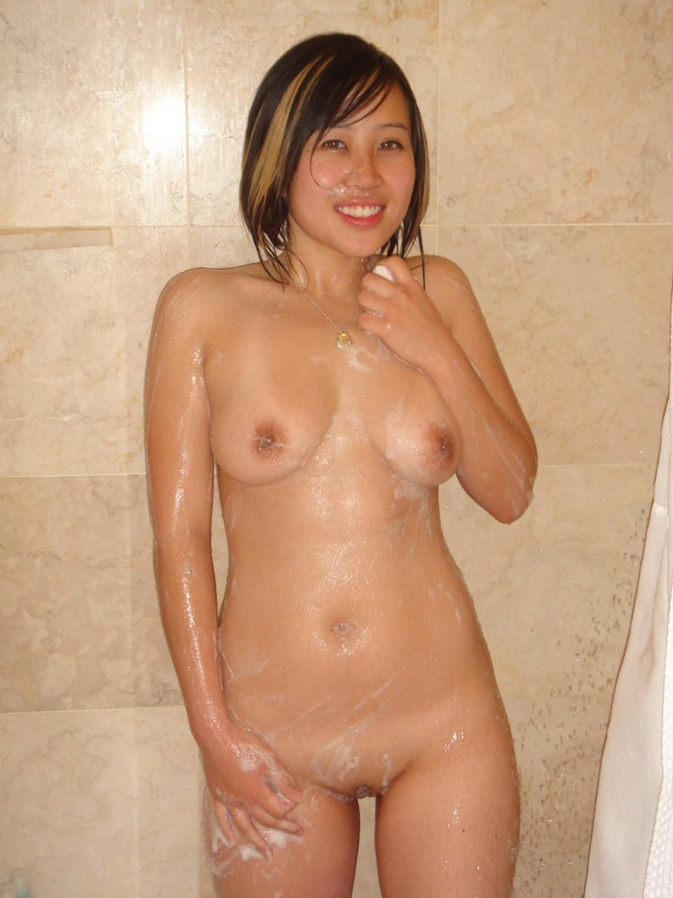 Amateur asian hotties getting down and dirty for a little poon-tang ...